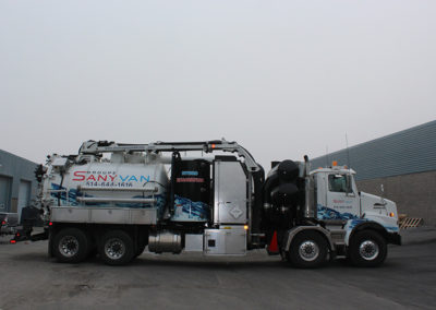 Camion Groupe Sanyvan two - Notre flotte - Montréal - Drainage québécois