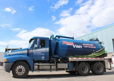 Camion Groupe Sanyvan six - Notre flotte - Montréal - Drainage québécois