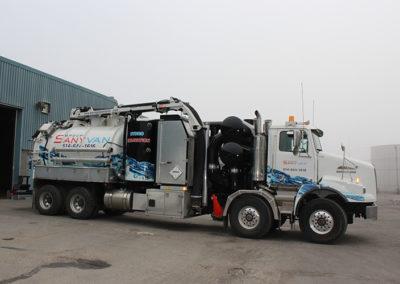 Camion Groupe Sanyvan four - Notre flotte - Montréal - Drainage québécois